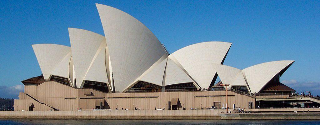 Sydney-Opera-House---Jorn-Utzon